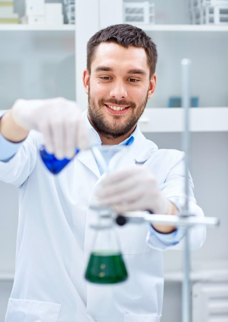 研究者の男性