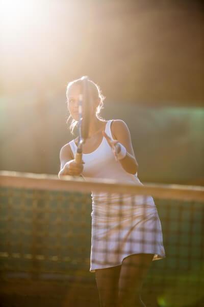 テニスをしている写真