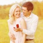 結婚する男女のイメージ