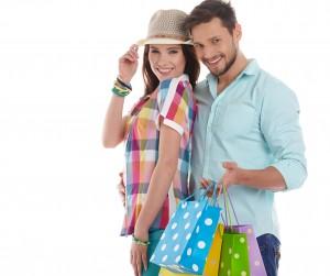 ショッピングするカップルイメージ